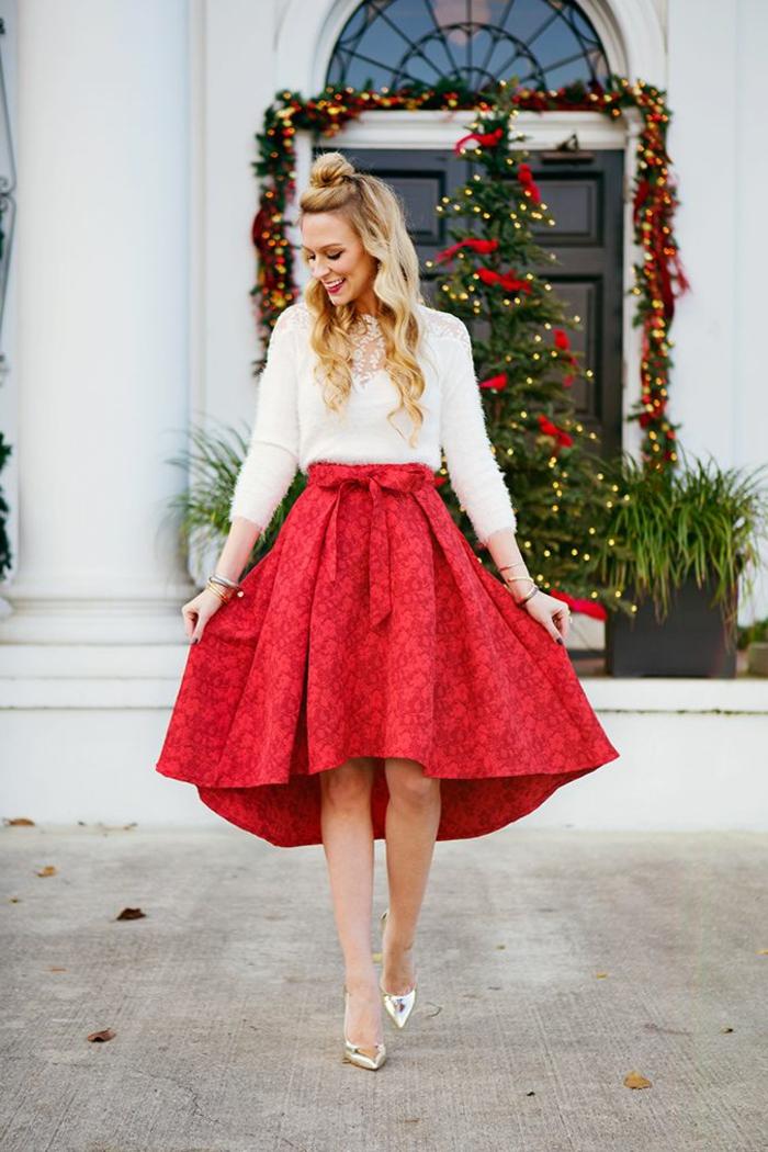 Tenue de noël pour femme jupe rouge mi longue et pull blanche, deux pièces robe nouvel an ou noel, belle tenue femme