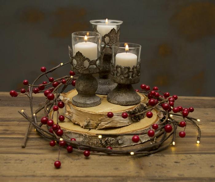 activit s manuelles noel tranches de bois rondins baies rouges bougeoirs vintage porte bougies table en bois bougies blanches