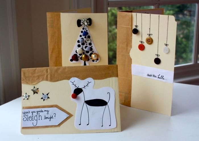 bricolage enfant facile pour Noel, idée carte de noel maternelle avec dessins cerf ou sapin décoré de boutons