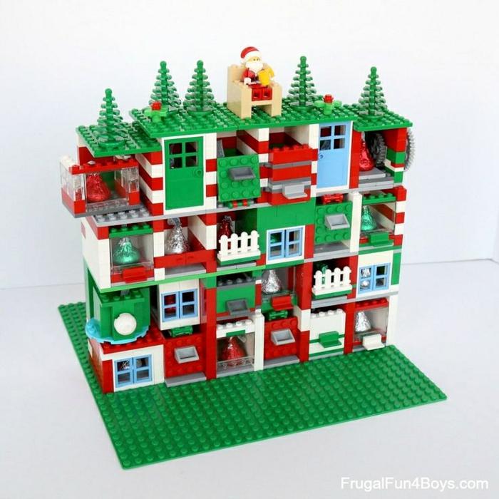 Que mettre dans un calendrier de l avent, idée cadeau calendrier de l avent Lego magnifique