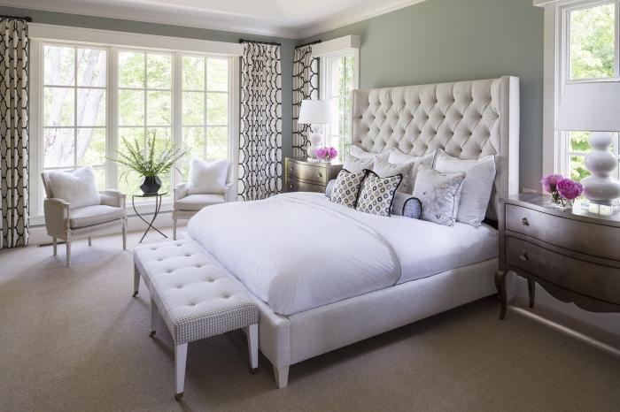 peinture grise dans une chambre à coucher adulte, idée quelle couleur associer au gris dans une chambre parentale