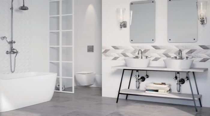 modèle de carrelage salle de bain à relief, exemple de salle de bain avec baignoire et séparation pièce en blanc et verre