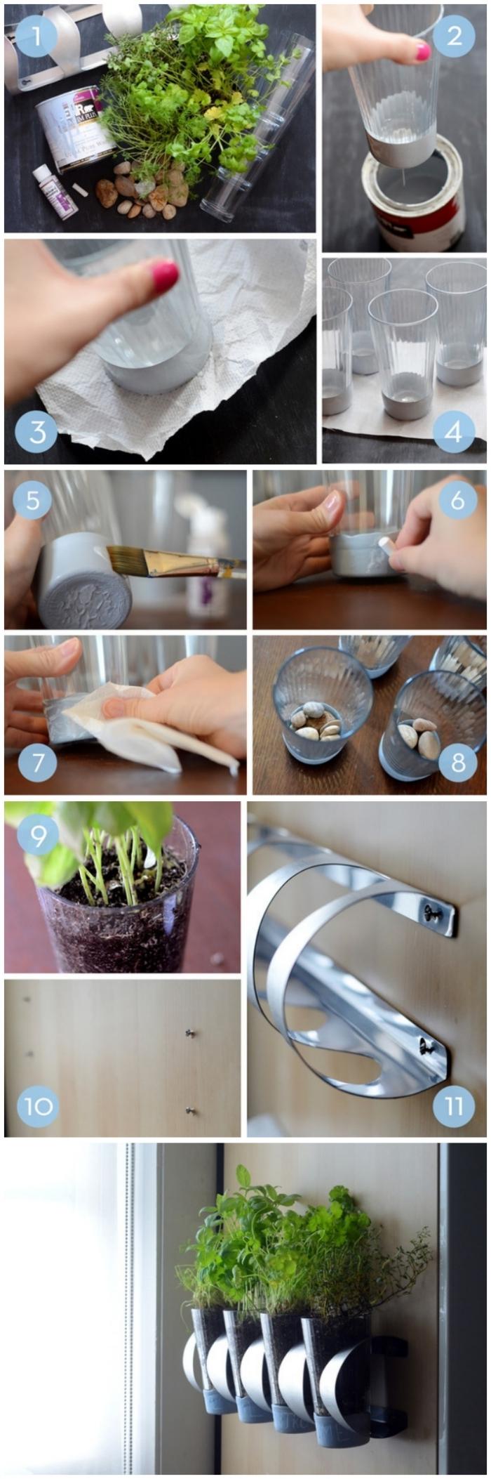 une jardinière suspendue avec des herbes aromatiques réalisée à l'aide d'un support métalliques et des verres