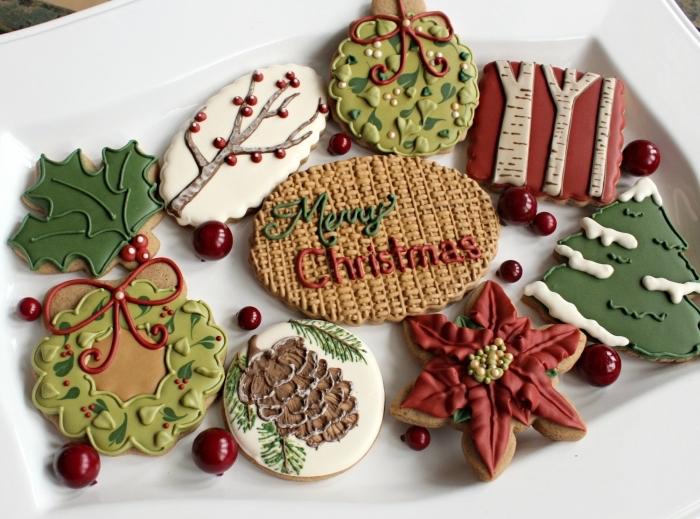 exemple comment décorer les sables de noel au gingembre avec glaçage en forme couronne de noel ou fleur séchée