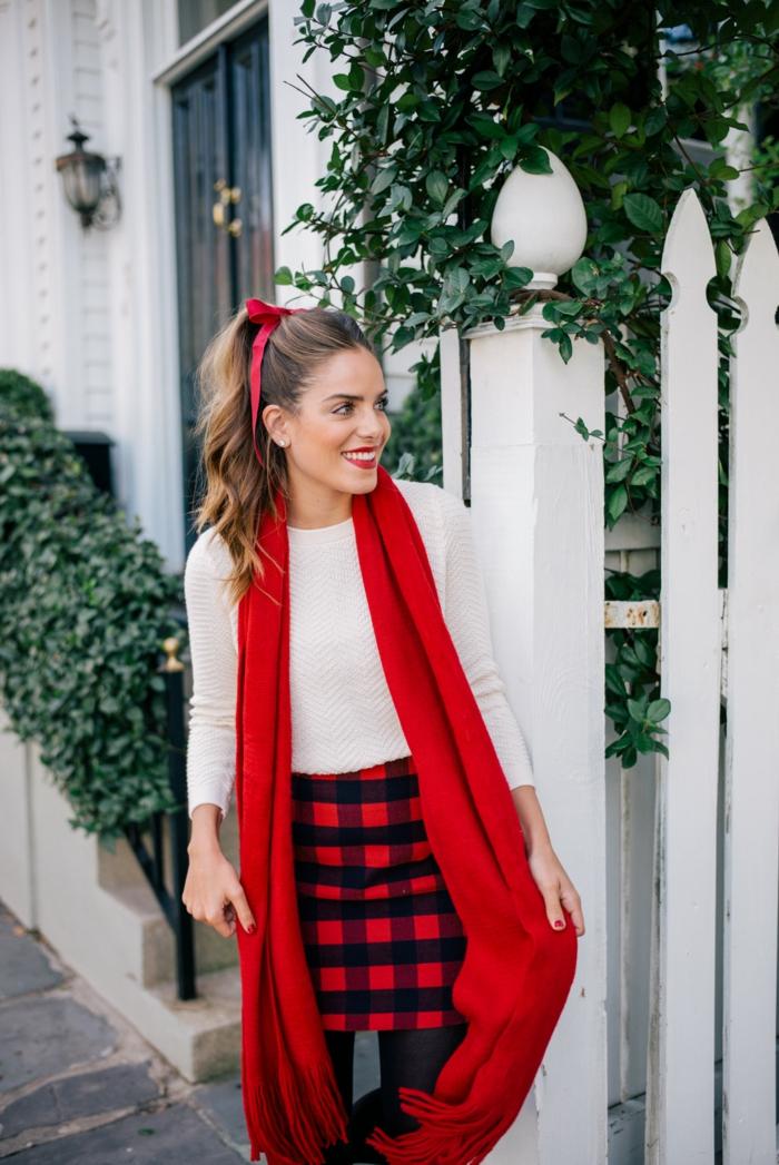 Robe pour noel, tenue de noël pour femme, le style de blogueuse tenue pour femme jolie idée