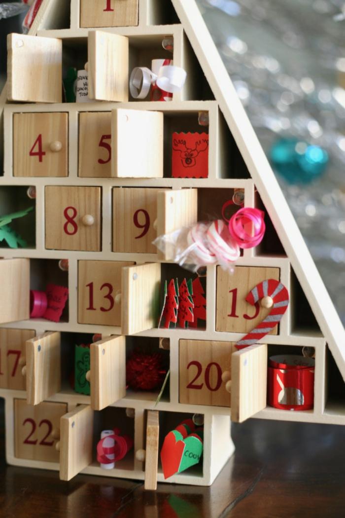 Fabrication calendrier de l avent adulte petits cadeaux à mettre dedans, sapin de noel original en bois