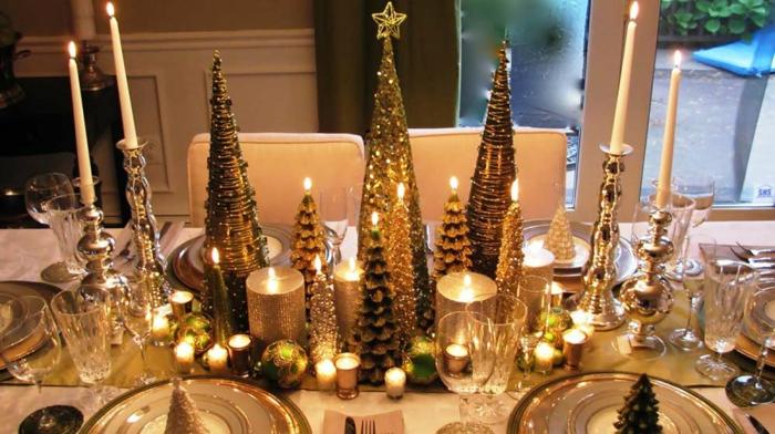 centre de table de noel grands sapins dor s bougies en forme de sapins bougeoirs argent s boules de noel verts chemin de table dor