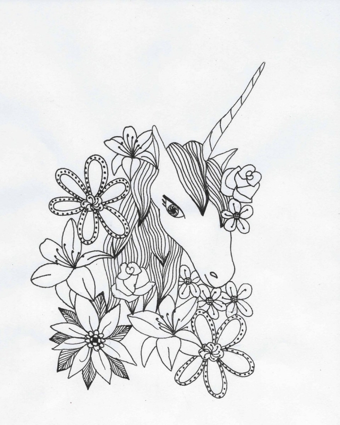 coloriage de licorne avec une tête de licorne entourée d'une multitude de fleurs, dessin poétique avec des détails floraux