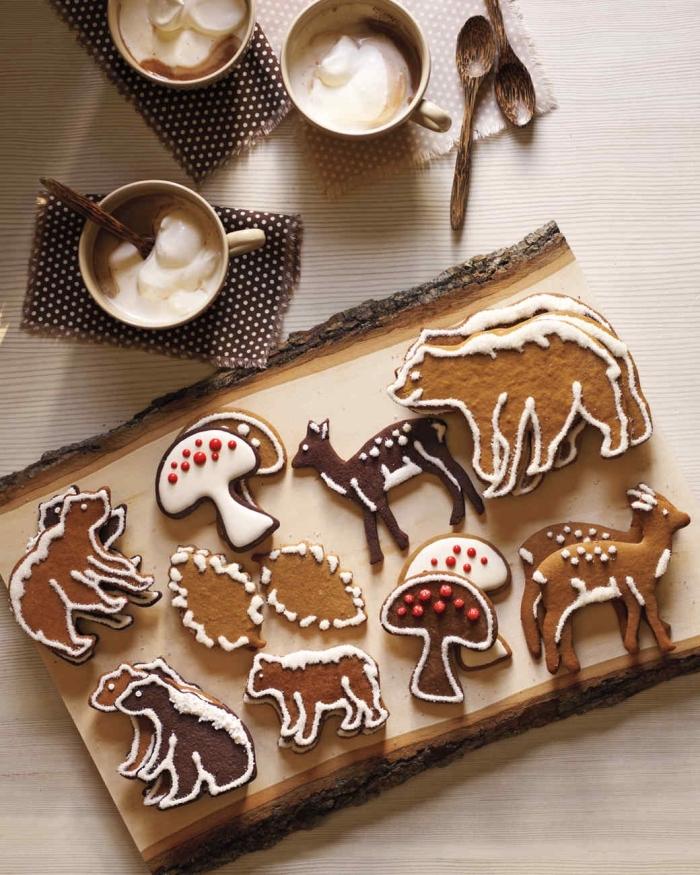 idée biscuit de noel au miel et à la cannelle, faire des cookies en forme animaux, décoration cookies avec glaçage royal