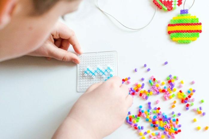 Calendrier de l avent pour couple idée festive de petitis cadeaux diy activité de noel petits pieces pour jouer le jour de noel