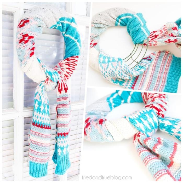 une couronne de noel a fabriquer soi même à partir d'un cadre métallique et d'une vieille écharpe à motifs d'hiver en blanc, bleu et rouge