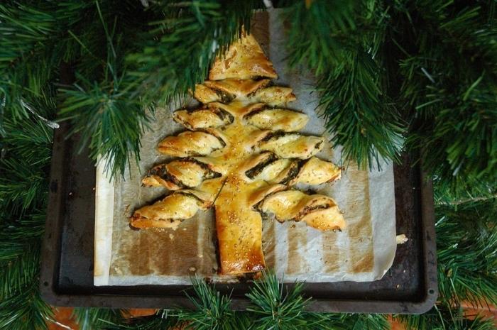 comment faire un repas ou apéro facile pour noel, recette de noel salé, exemple arbre de noel en pâte feuilletée