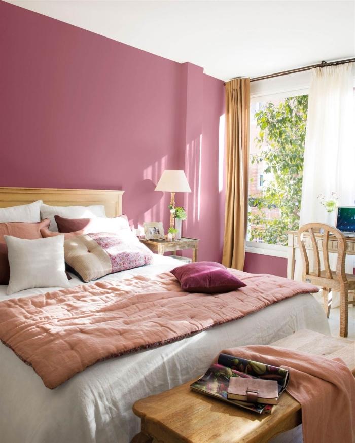 couleur mur chambre, peinture murale chambre fille en rose avec plafond blanc, aménagement chambre avec meubles en bois