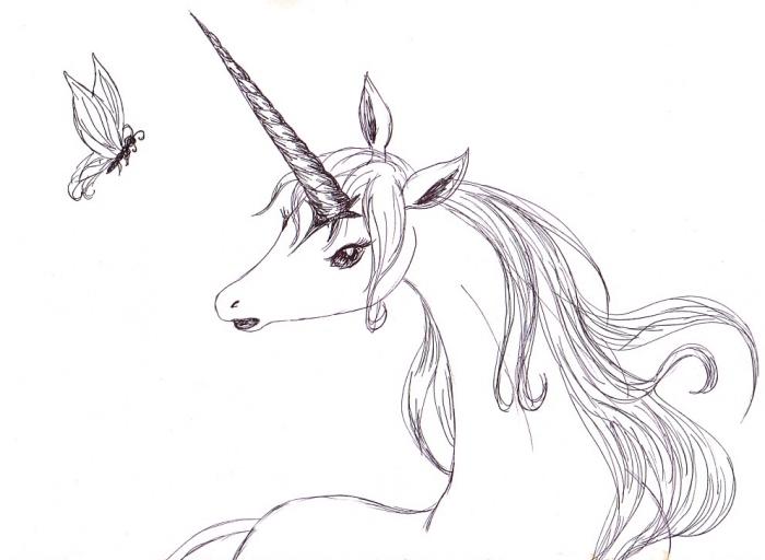 dessin de licorne facile mais très poétique illustrant une jolie licorne d'une crinière ondulée avec des yeux ombragés de cils
