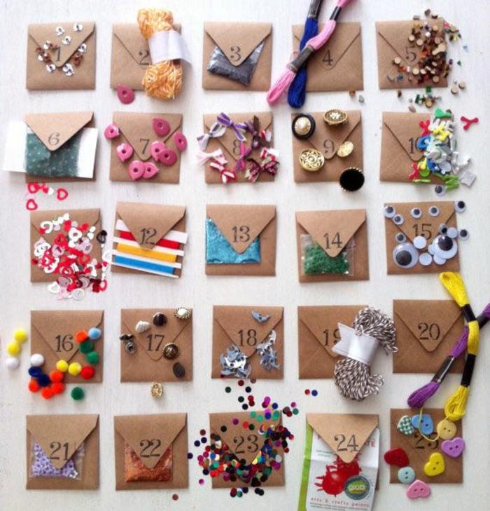 Idée que mettre dans un calendrier de l avent idée calendrier de l avent personnalisé enveloppes avec craft choses