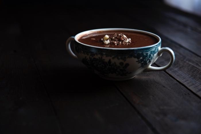 exemple de tasse au chocolat fondu épais délicieux, comment préparer un chocolat chaud épais au lait et chocolat noir