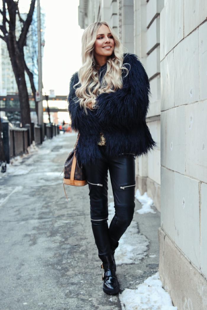 Tenue reveillon pantalon simili cuir, tenue de fête femme la fête de noël, tenue simple et très chic veste fausse fourrure