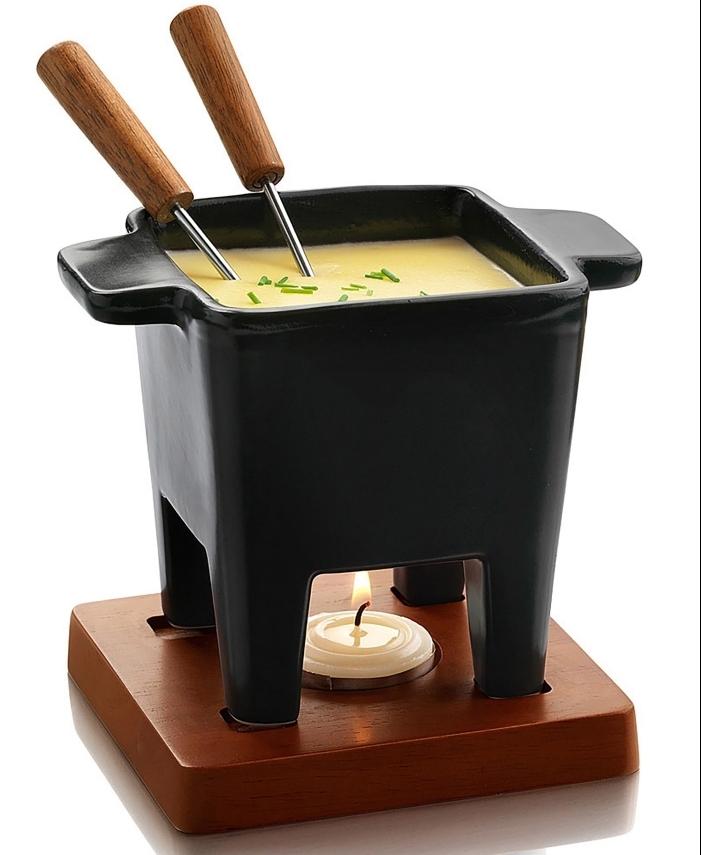 fondue pour deux, idée cadeau anniversaire mama ,quel cadeau pour femme chef, modèle appareil à fondue
