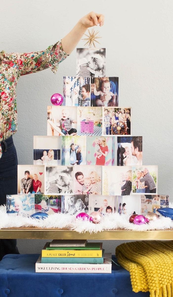 déco de noël originale avec des photos personnelles imprimées arrangées en forme d'arbre de noël original