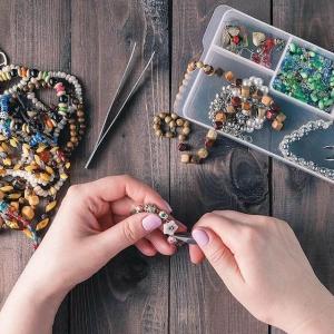 Bijoux originaux – le verre comme nouveau souffle