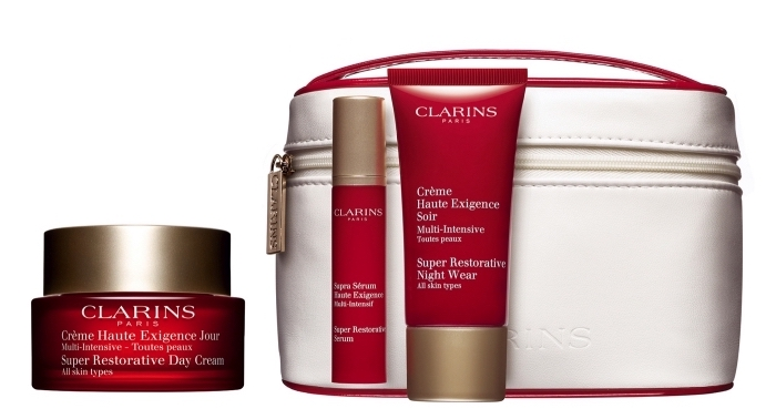 cadeau de noël pour maman, set de produits cosmétiques pour femme, accessoires et produits soins anti-âge