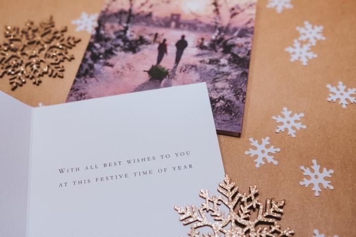 papier cartonné pour faire une carte de voeux noel facile, message noel à imprimer et coller sur une carte DIY facile