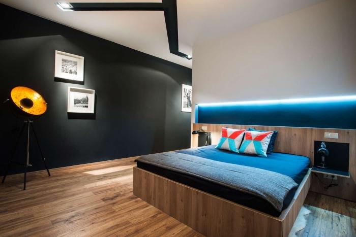 couleur chambre adulte moderne, peinture murale tendance, déco de chambre avec murs en blanc noir et accents en bleu