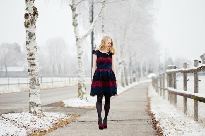 Robe pour les fetes de fin d année tenue de noel femme, belle choix tenue simple, hiver photo enneigé