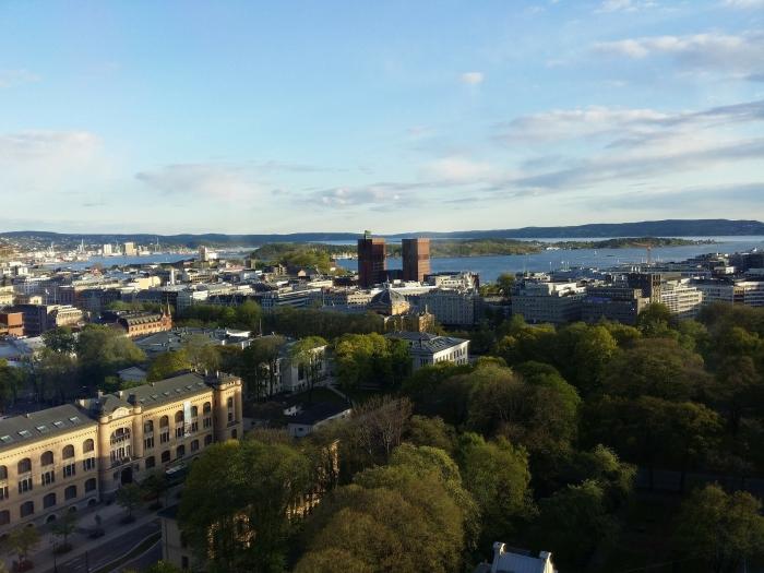 la vue d'en haut d'oslo, désigné capitale verte européenne pour 2019, un milieu urbain en proximité avec la nature