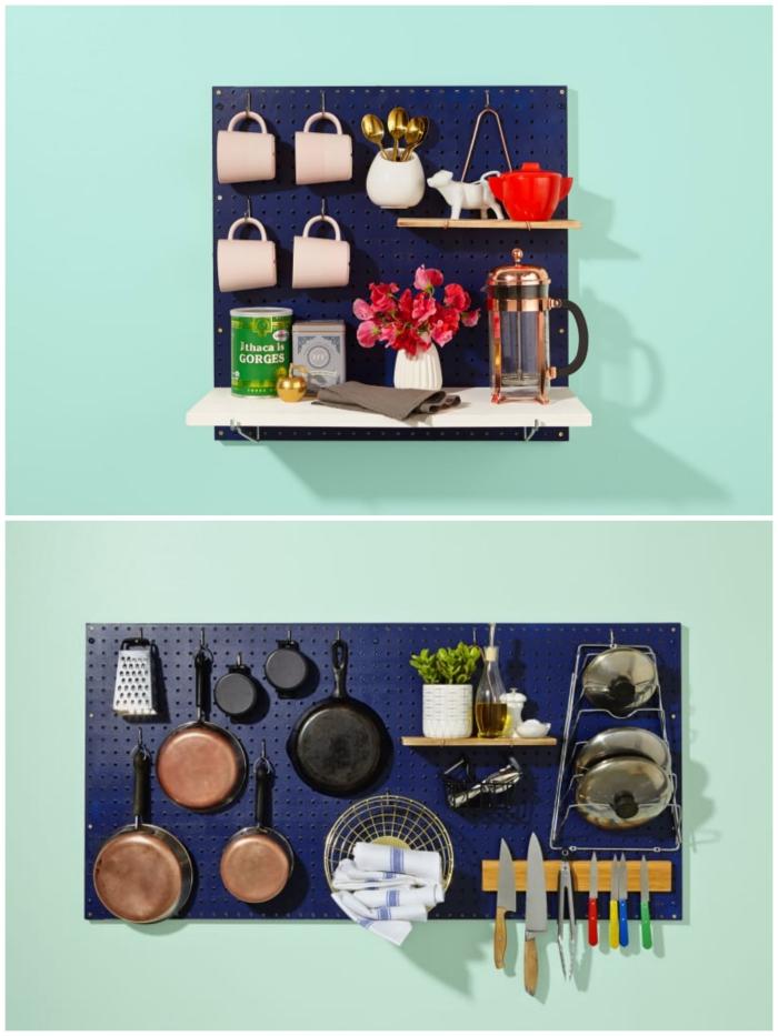 un panneau perforé peint en bleu marine transformé en rangement de cuisine fonctionnel et gain de place pour y suspendre la vaisselle et les ustensiles de cuisine