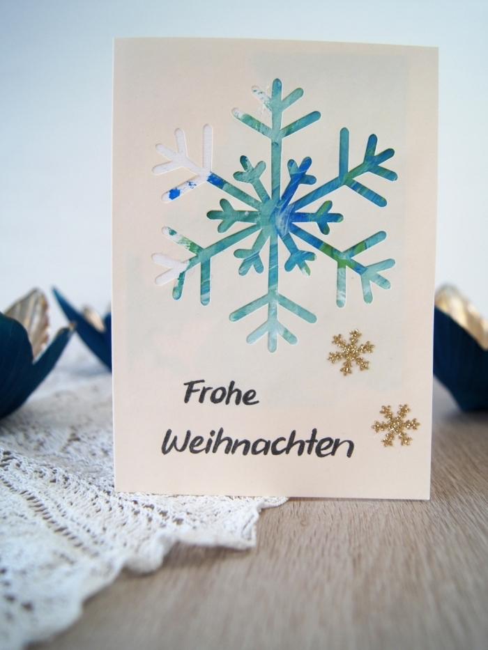 magnifique modèle de carte noel fait main, exemple comment réaliser flocon de neige 3D sur une carte de voeux noel