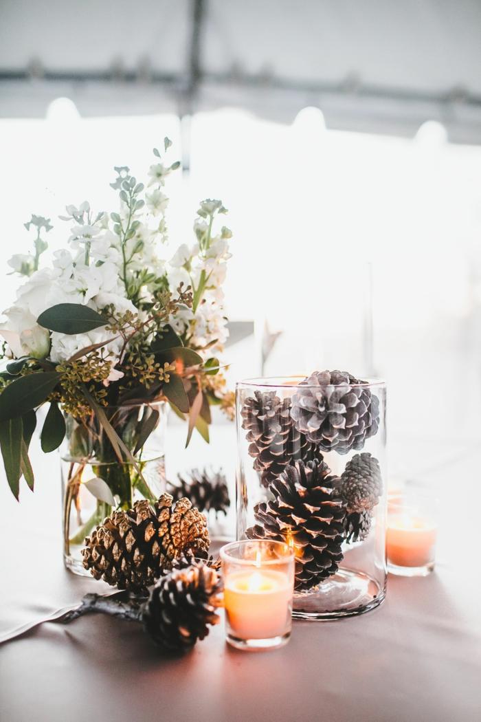 pots de verre remplis de trouvailles naturelles bougie allum e brins fleuris d coration simple et facile  faire mat riaux simples