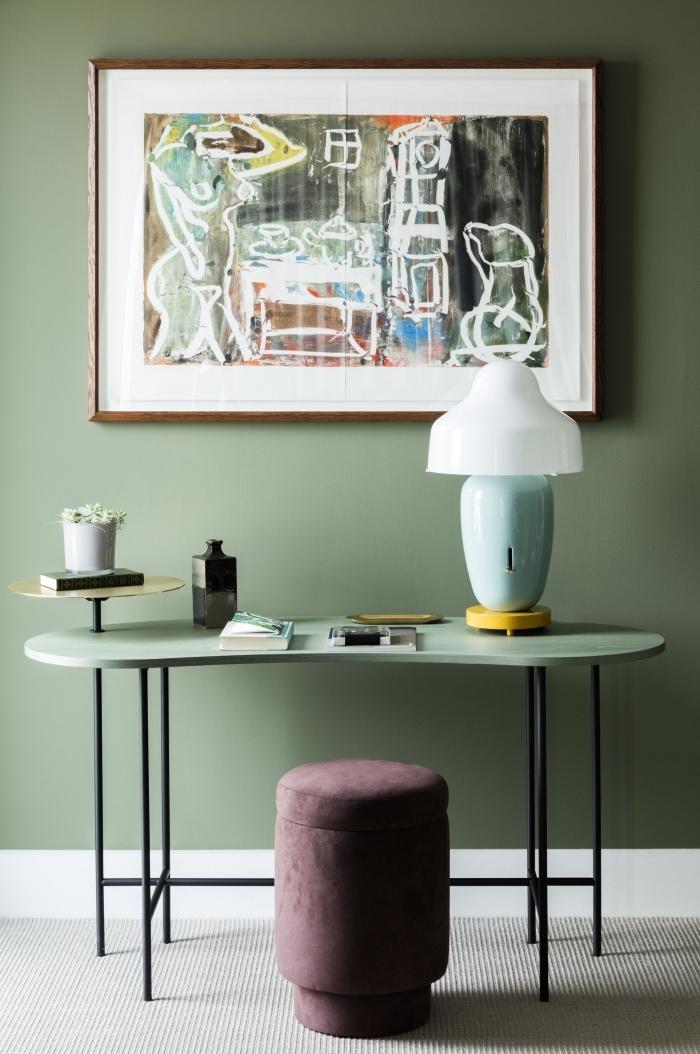 quelle couleur mur salon, déco moderne avec meubles en bois peint en pastel et fer, modèle de lampe design en bleu et jaune pastel