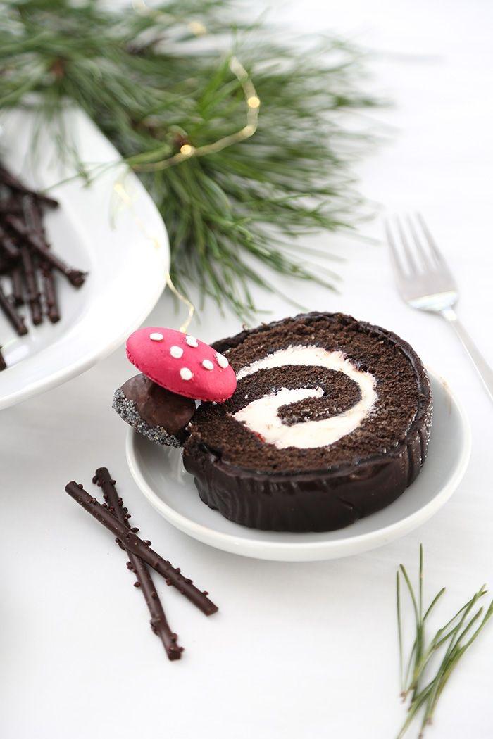 recette buche patissiere en pâte à sucre qui revisite le gâteau classique forêt noire, au chocolat et à la vanille,