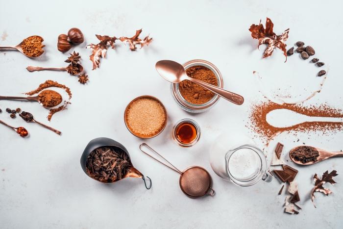 quels ingrédients utiliser pour préparer du chocolat chaud vegan, recette boisson chaude avec lait de coco et cacao en poudre