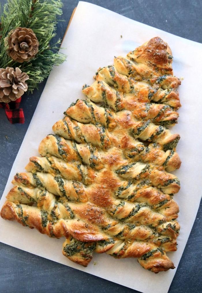 exemple de sapin pate feuilletée à la garniture aux épinards et fromage, idée quel apéritif facile et rapide pour noel