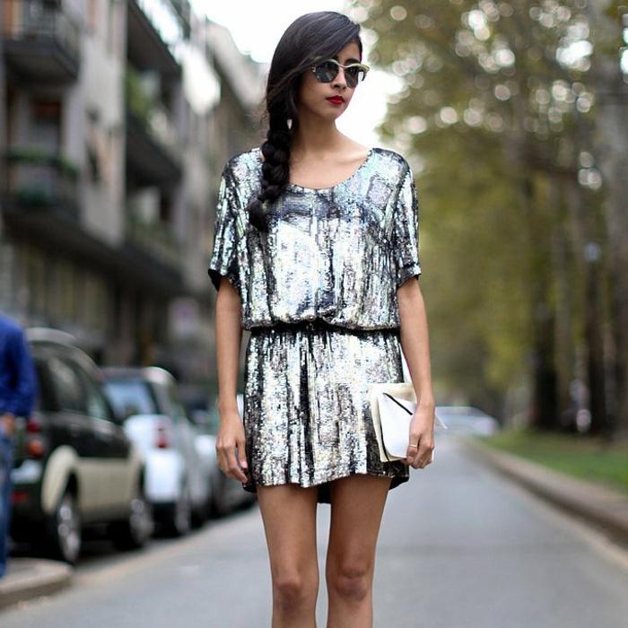 Tenue de noel femme, tenue de fete comment s habiller en hiver pour un jour festif, idée de robe pailleté courte à manche courte