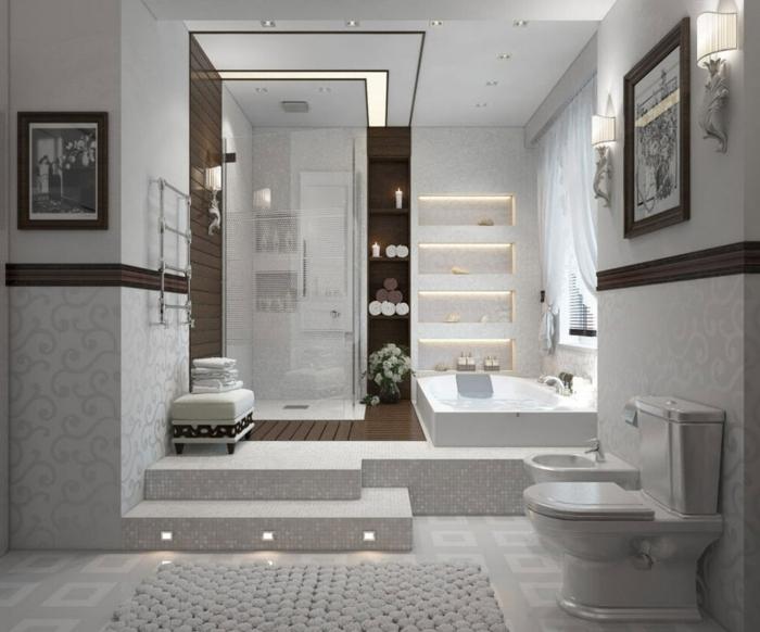 salle de bain à l'italienne, deux marches avec spots tabouret, cabine plain pied, étagère intégrée, baignoire encastrable