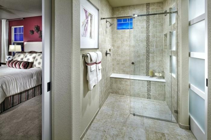 carreaux de travertin, porte à verre opaque, banquette de salle de bain, suite parentale