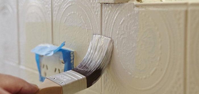 tuto pour recouvrir carrelage mural sur mur de cuisine en faience pour crédence personnalisée decorative