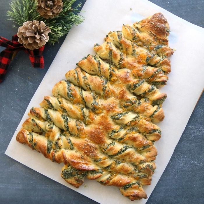 que faire avec pâte feuilletée, idée recette facile garniture pâte feuilletée, sapin de noel délicieux aux épinards