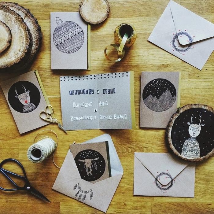 bricolage de noel, fabrication carte de noel en papier kraft avec dessins ou images imprimées aux motifs graphiques