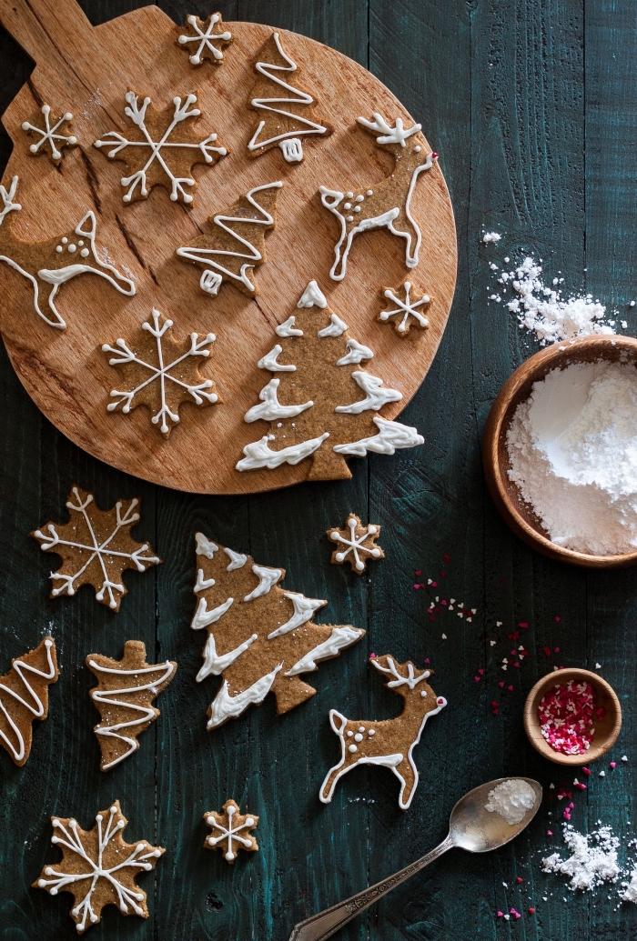 idée biscuits de noel faciles et rapides, cookies en formes de sapin et cerf au gingembre et à la cannelle, exemple petit gateau de noel