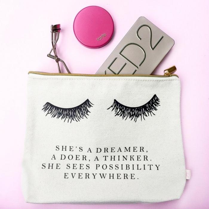 accessoire beauté et maquillage pour femme, objet soins visage et make up femme, idee cadeau noel femme