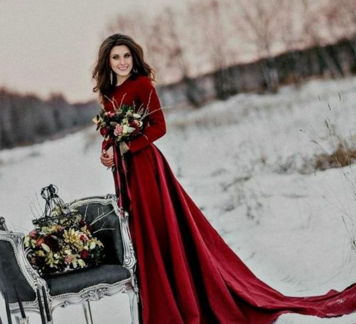 Tenue de fete, tenue de noël pour femme inspiration, tenue decontractee chic, robe de mariée rouge longue