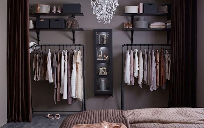 Meuble rangement simple en metal, chambre rangement, lit et étagères vetement, aménagement chambre à coucher