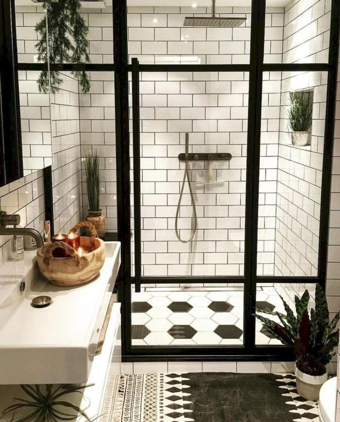Originale idée salle de bain industrielle, salle de bain vintage, comment aménager une salle de bain belle en noir et blanc