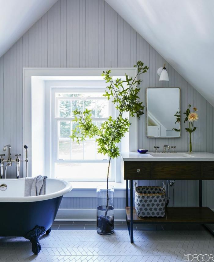 Chouette decoration industriel meuble salle de bain industriel déco salle de bain original baignoire bleu vintage