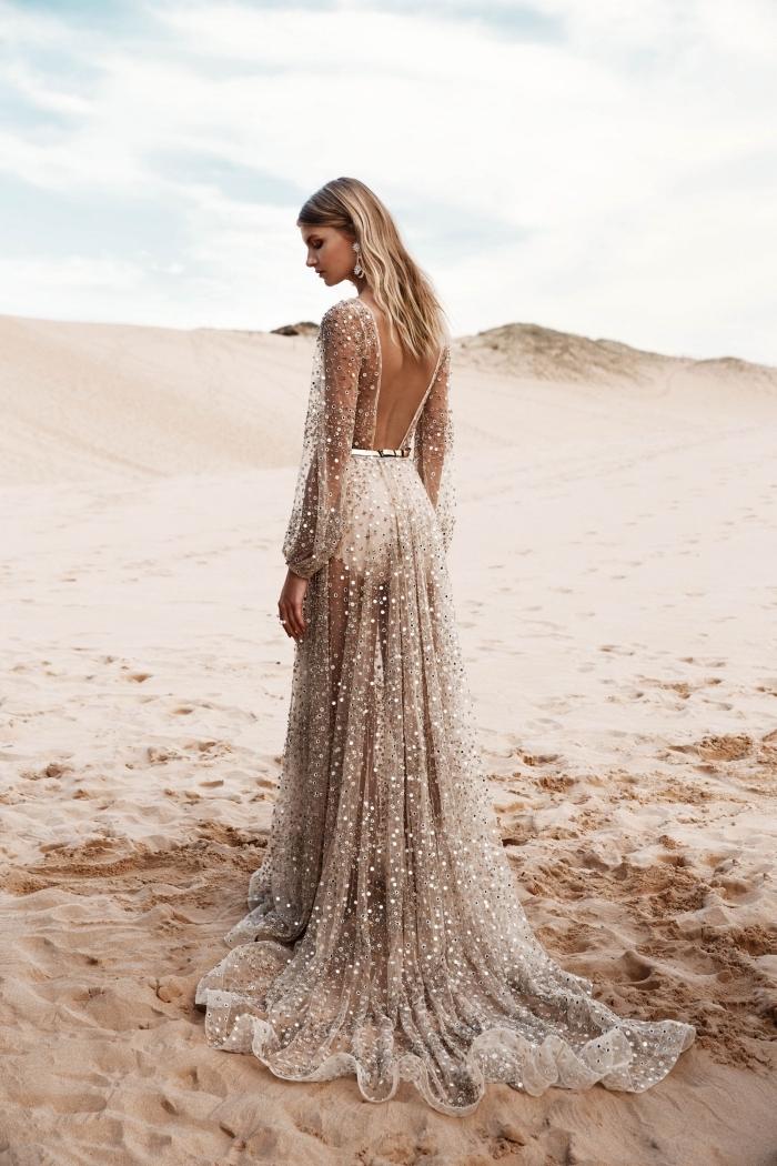 robe de mariée bohème chic spectaculaire, modèle de robe mariée couleur transparente avec applications paillettes