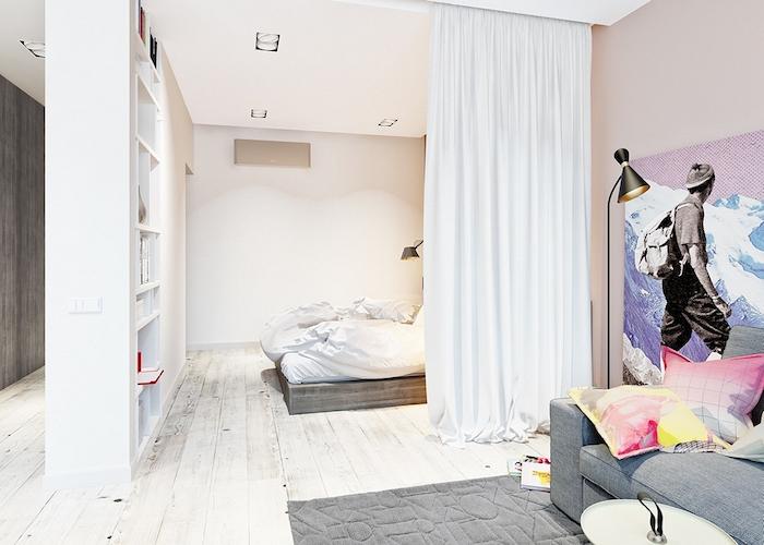 cloison amovible rideau blanc féerique pour séparer une chambre à coucher du salon artistique, canapé gris, tableau mural original